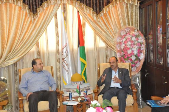 الجامعة تستقبل وفداً من المؤسسة الفلسطينية لضمان الودائع
