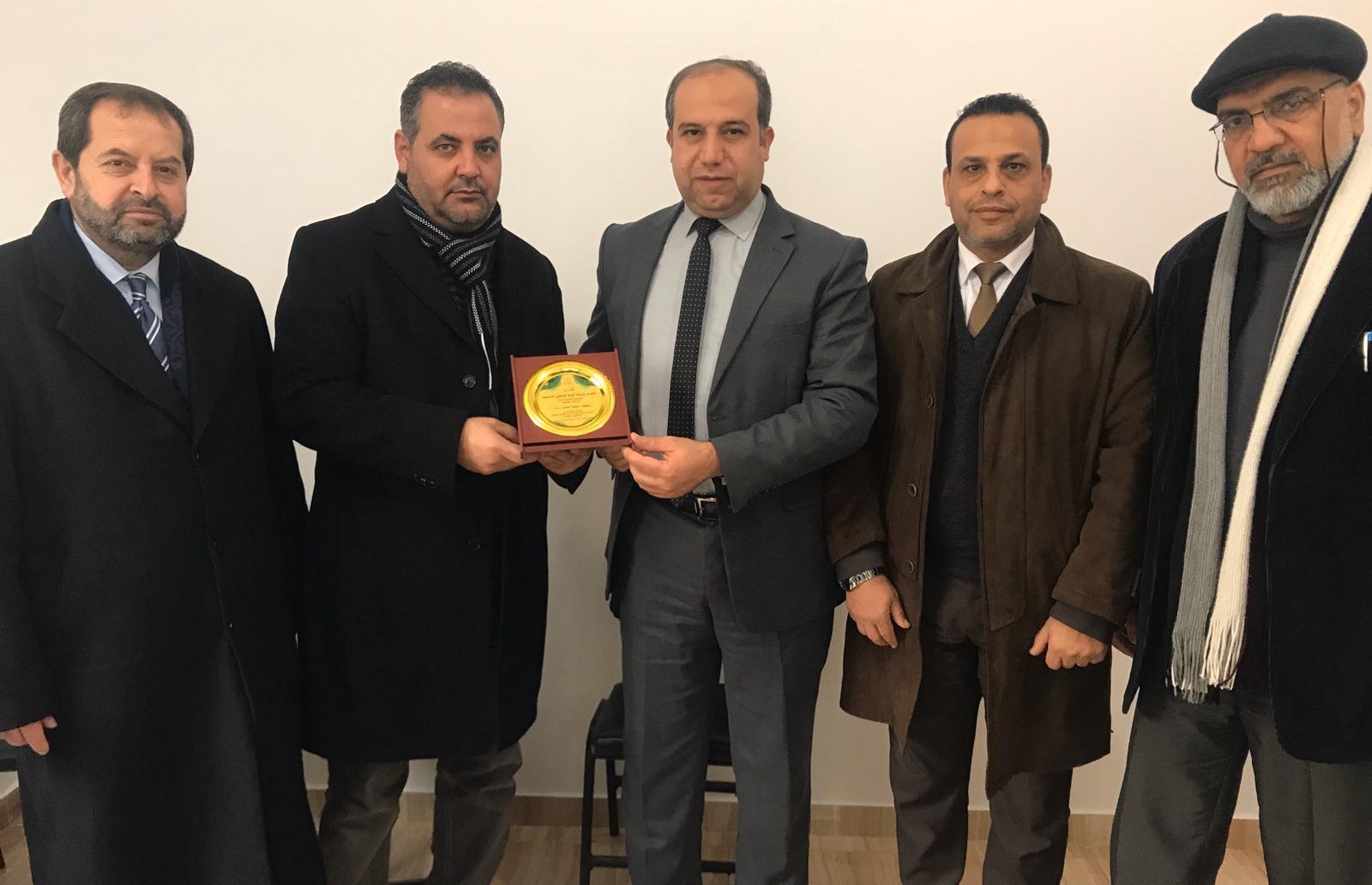 جامعة الأمة تزور العميدعطية منصور